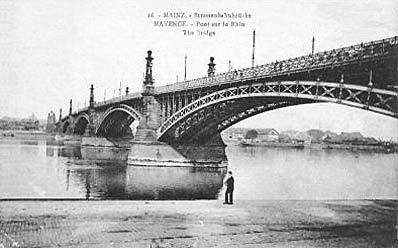 Altes Foto von der Rheinbrücke von 1885
